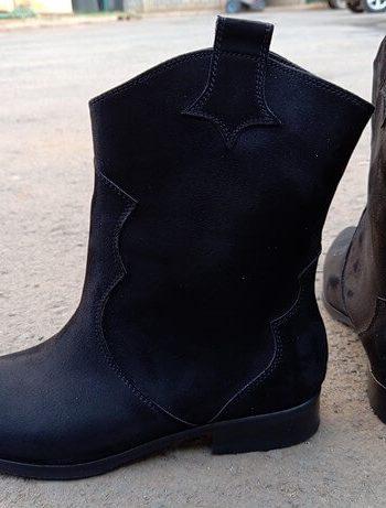 BLACK FLAT BOOT