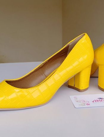 Yellow wetlook chunky heel