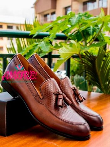 Brown croco tassel shoe