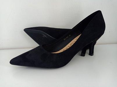 Black suede kitty heel