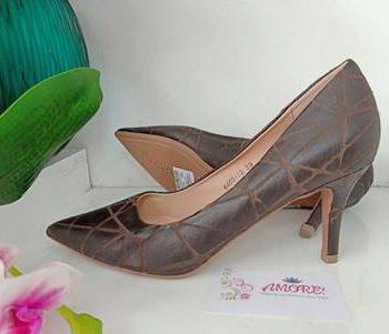 Coffee croco court heel