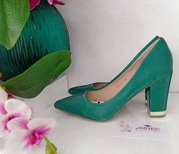 Green gold tip chunky heel
