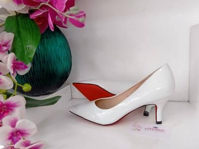 White kitty heel