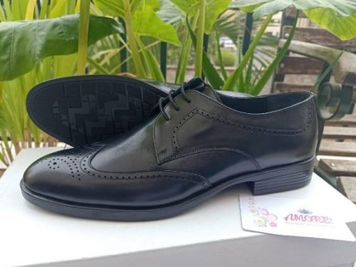 Black oxford leather shoe