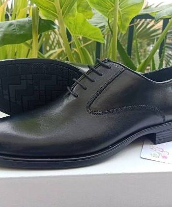 Black plain suit shoe