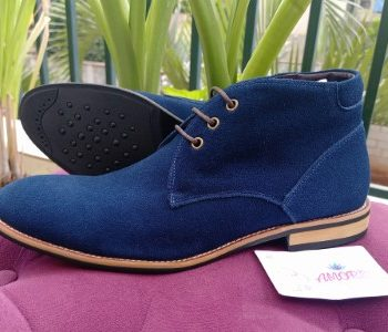 Blue suede chukka boot