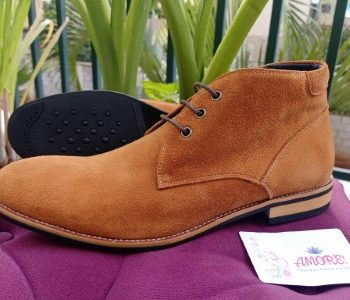 Light brown suede chukka boot